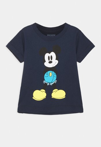 MICKEY MOUSE MICKEY IN JEANS TEE UNISEX
