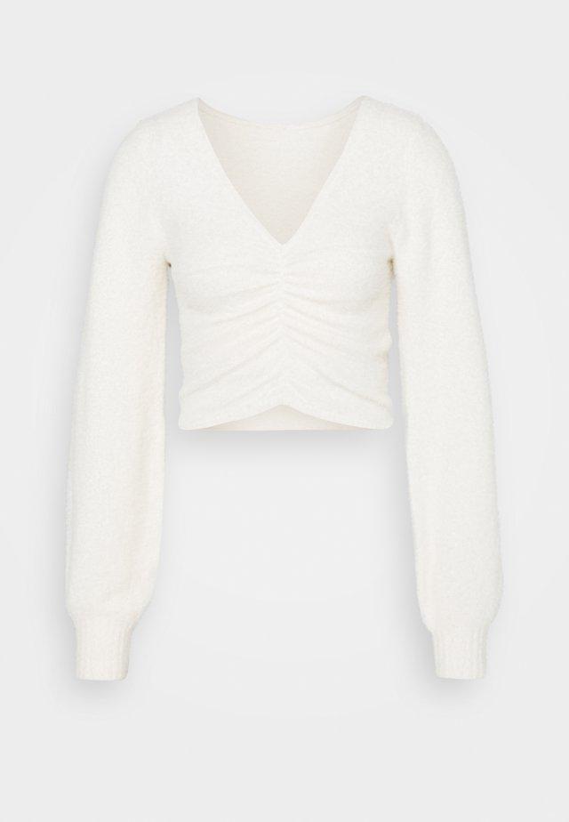 COZY CINCH FRONT  - Stickad tröja - white