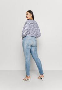 JUNAROSE - by VERO MODA - JRFIVE ADIA ANKLE  - Slim fit jeans - light blue denim - 2