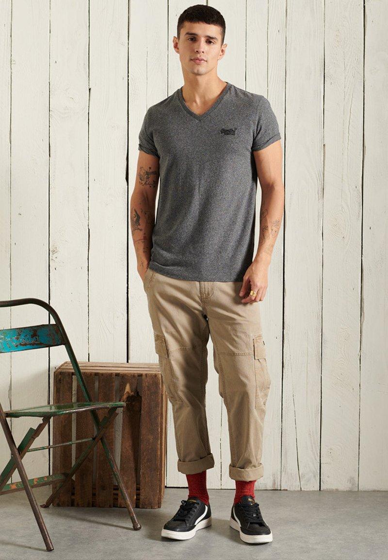 Superdry - T-shirt basic - black grit