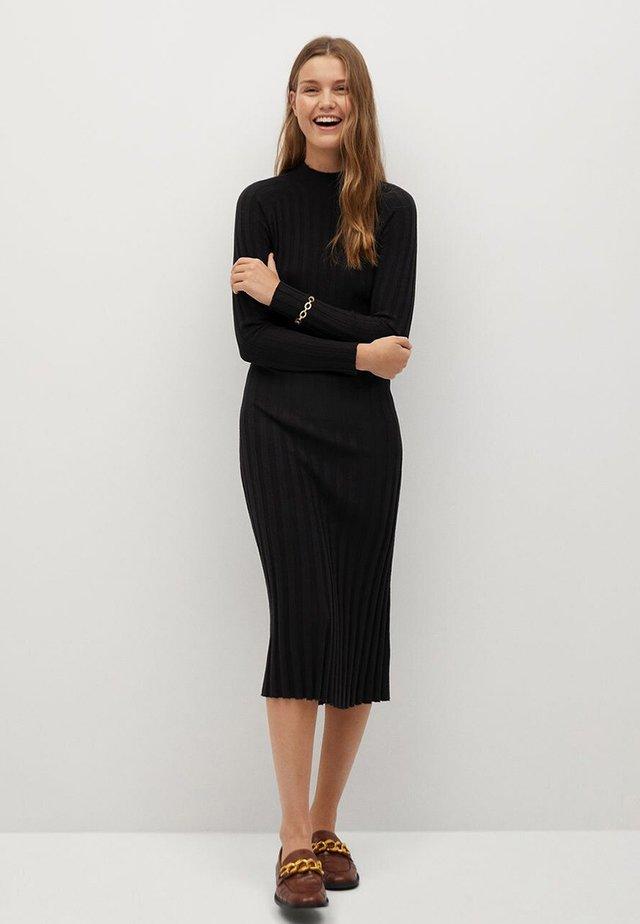 FLURRY - Gebreide jurk - noir