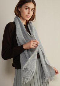 Falconeri - Scarf - grau - 8613 - diamante - 1