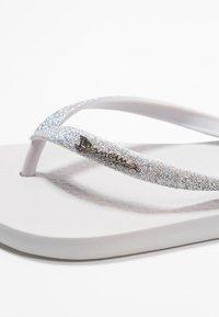 Ipanema - LOLITA - Flip Flops - grey/grey light - 2