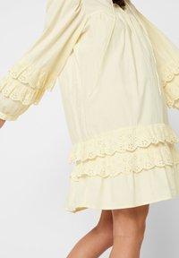 Pieces - Robe d'été - pastel yellow - 4