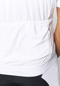 Craft - ESSENCE - T-shirt z nadrukiem - white - 4