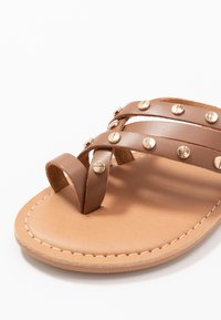Dorothy Perkins - JANGO STUD TRIM SLIDE - T-bar sandals - tan - 2