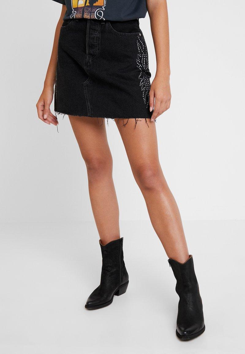 Levi's® - DECON ICONIC SKIRT - A-snit nederdel/ A-formede nederdele - black denim