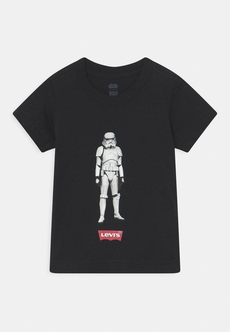 Levi's® - STAR WARS STORM TROOPER UNISEX - Print T-shirt - black