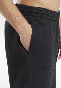 Reebok Classic - CLASSICS VECTOR SHORTS - Shorts - black - 4