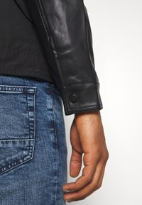 Only & Sons - ONSMATT MIX JACKET - Lehká bunda - black - 4