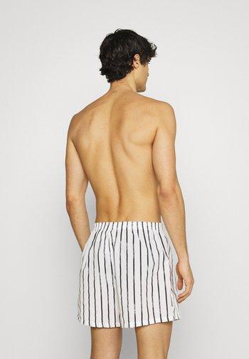 3 PACK - Boxer shorts - black/dark grey/white