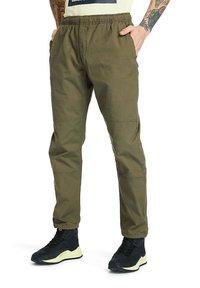 Timberland - FIELD TRIP  - Trousers - grape leaf - 0