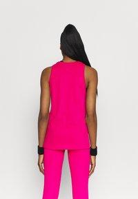 Nike Performance - DRY TANK ICON CLASH - Camiseta de deporte - fireberry - 2