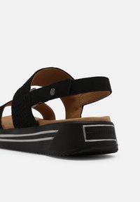 Mustang - Sandals - schwarz - 5