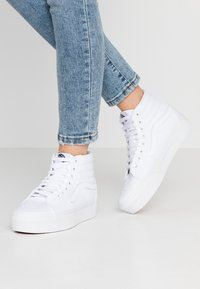 Vans - SK8 PLATFORM  - High-top trainers - true white - 0