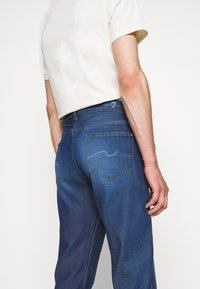 7 for all mankind - SLIMMY TAPERED - Jeans Tapered Fit - mid blue
