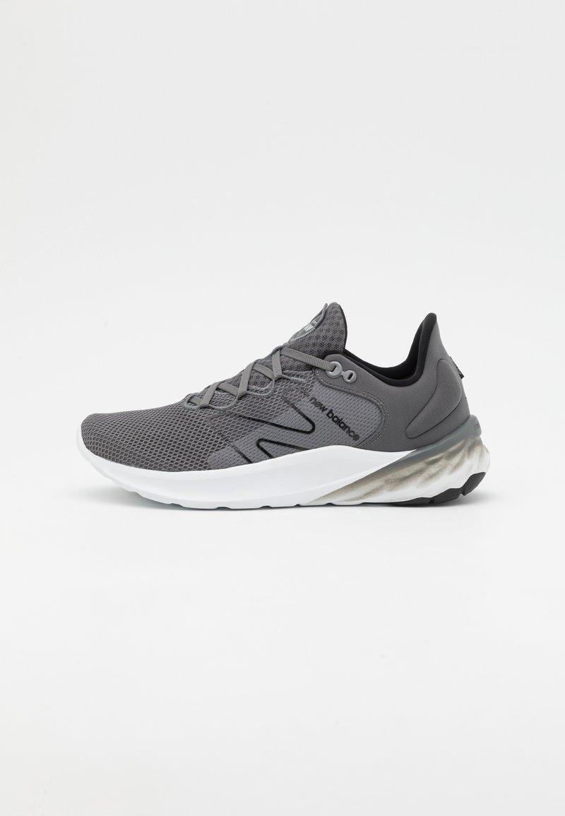 New Balance - ROAV SPORT PACK - Nøytrale løpesko - grey/white