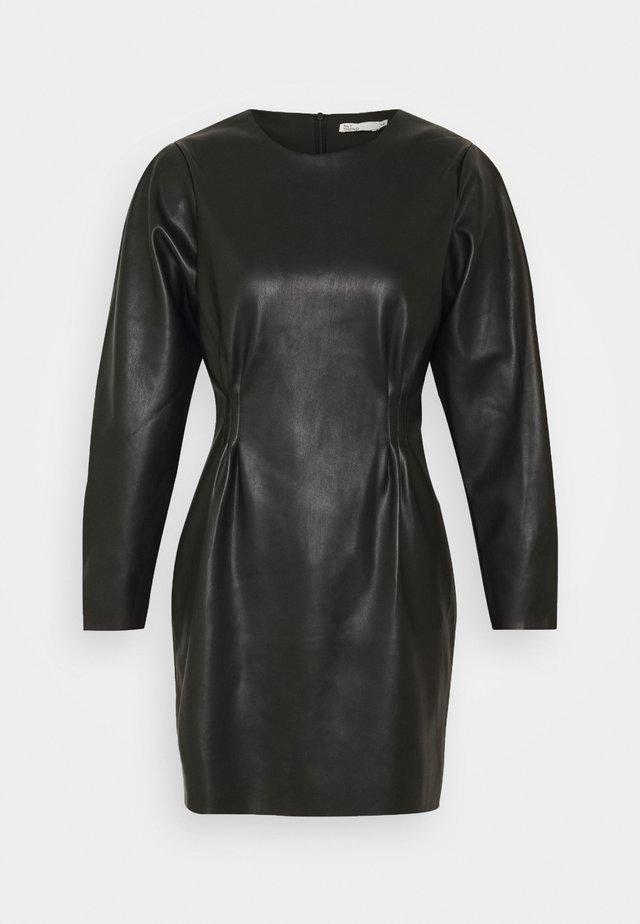 FLIRTY DRESS - Robe fourreau - black