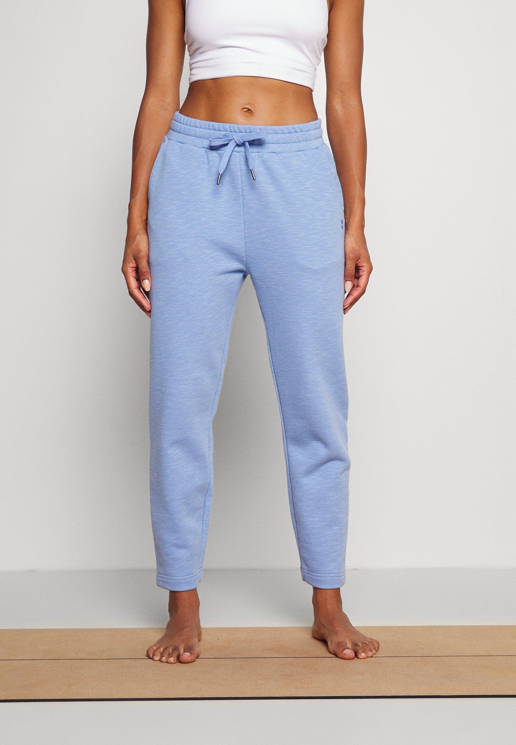 Femme ESSENTIALS TAPER TROUSER SUSTAINABLE - Pantalon de survêtement