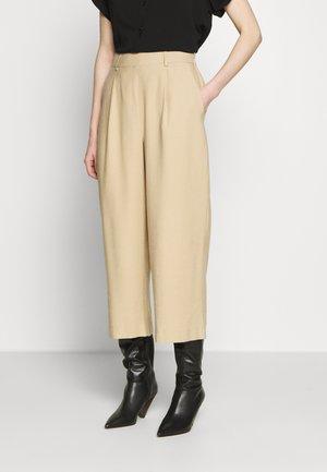 MIAKO - Spodnie materiałowe - soft ginger