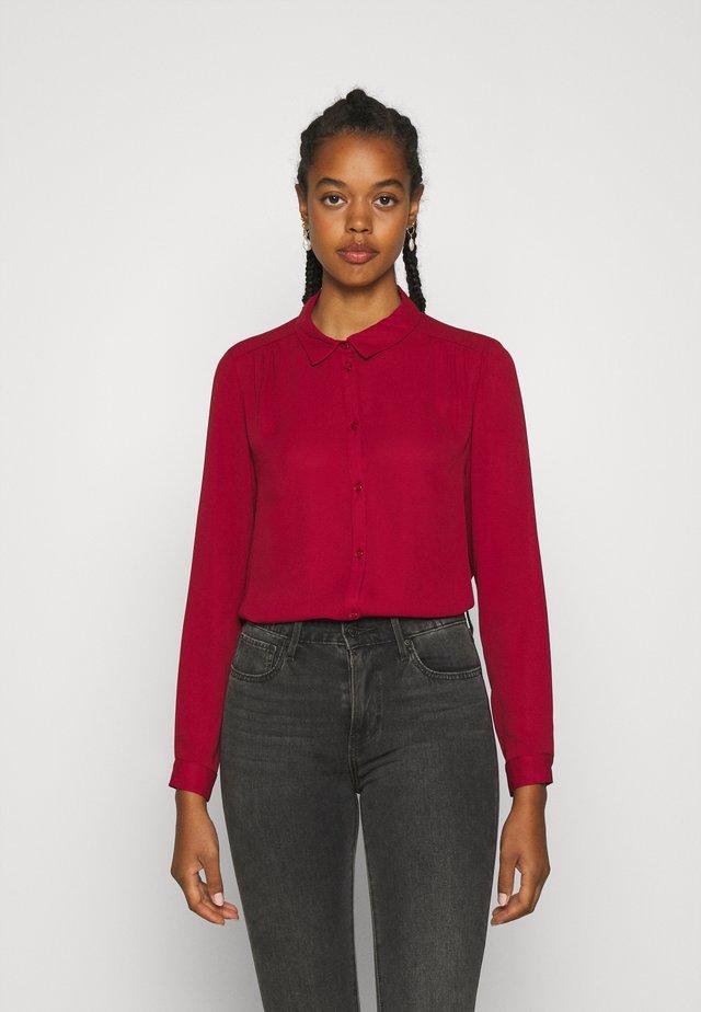 VILUCY BUTTON - Button-down blouse - red dahlia