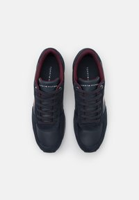 Tommy Hilfiger - ICONIC MIX RUNNER - Trainers - desert sky - 3