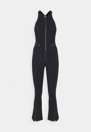 SLIM FIT DUNGAREE JUMPSUIT - Jumpsuit - rinsed