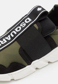 Dsquared2 - UNISEX - Sneaker low - khaki - 5