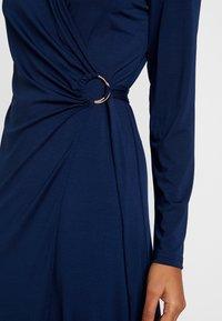 Love Copenhagen - VIVILC WRAP DRESS - Jersey dress - captain navy - 6