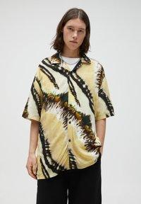 PULL&BEAR - Shirt - yellow - 7
