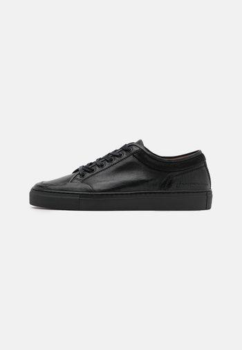 TOP  - Baskets basses - black