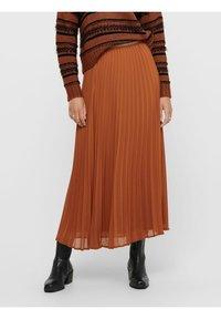 ONLY - Pleated skirt - ginger bread - 0