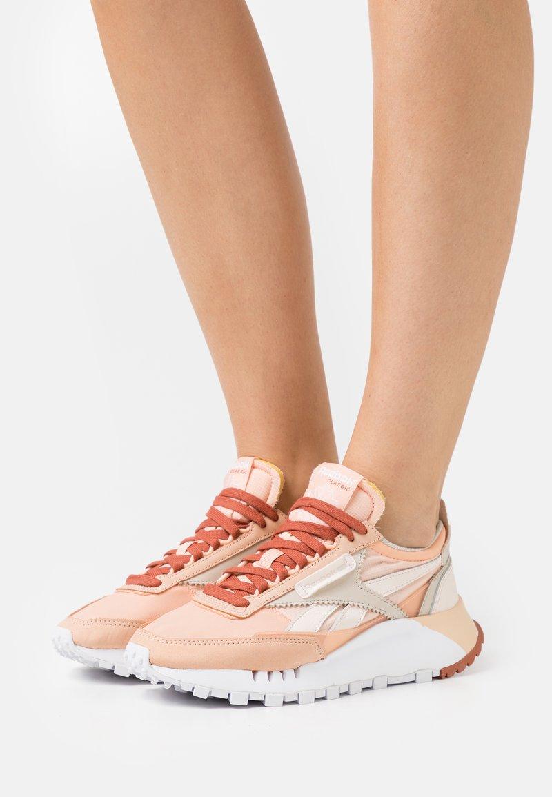 Reebok Classic - CL LEGACY - Trainers - cerise pink/orange/white