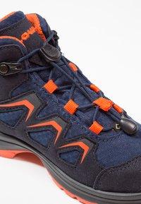 Lowa - INNOX EVO GTX QC JUNIOR UNISEX - Hiking shoes - navy/orange - 5