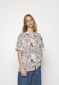 HUF - DAY IN THE LIFE - Shirt - natural - 0