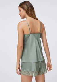 OYSHO - Pyjama top - khaki - 6