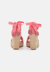 Tamaris - Platform sandals - candy - 3