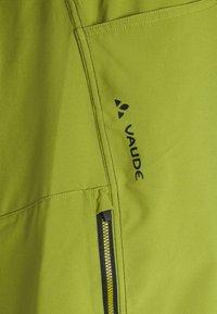 Vaude - MENS LEDRO - Outdoor shorts - avocado - 5