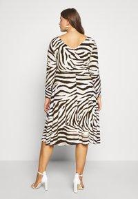 Lauren Ralph Lauren Woman - POLLY DAY DRESS - Jersey dress - cream/brown - 3