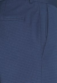 Isaac Dewhirst - CHECK SUIT - Oblek - blue - 7