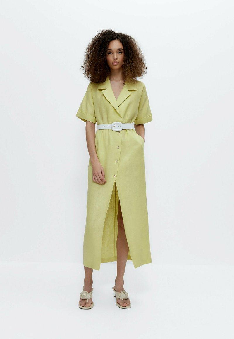 Uterqüe - Shirt dress - green