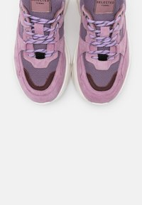 Selected Femme - SLFGAVINA TRAINER - Trainers - fair orchid - 5