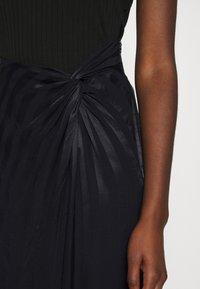 Guess - GALENE - Pencil skirt - jet black - 5