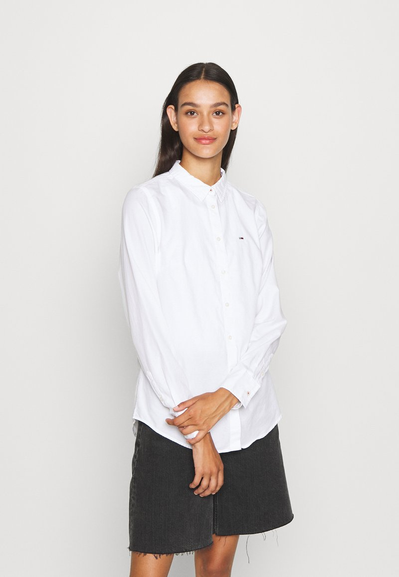 Tommy Jeans - SLIM FIT OXFORD - Button-down blouse - white