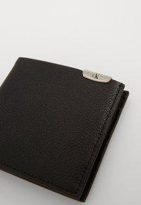 Calvin Klein Jeans - CKJ MICRO PEBBLE BIFOLD W/C - Wallet - black - 2