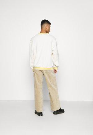 STRIPE DETAIL - Sweatshirt - beige/yelow