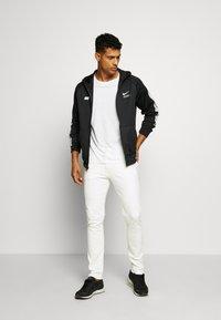 Nike Sportswear - HOODIE - Sportovní bunda - black/lt smoke grey/white - 1