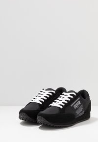 Versace Jeans Couture - LINEA FONDO SPYDER - Sneakers - black - 3