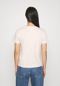 Tommy Jeans - Print T-shirt - sugarcane - 2