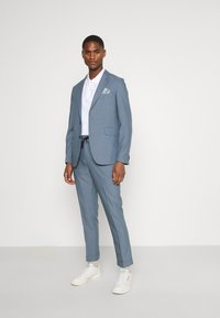 Isaac Dewhirst - UNSTRUCTURED  - Suit - blue - 1